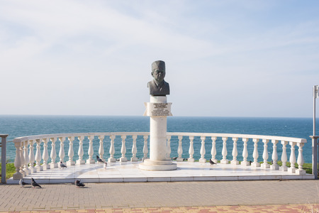 honored: Anapa, Russia - March 10, 2016: monument in honor of the honored doctor of Russia Vladimir N. Avanesov, set on the high bank of the resort town of Anapa Editorial