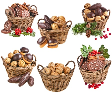 ginger nuts: Collection of basket christmas cookies with forest berries on a white background