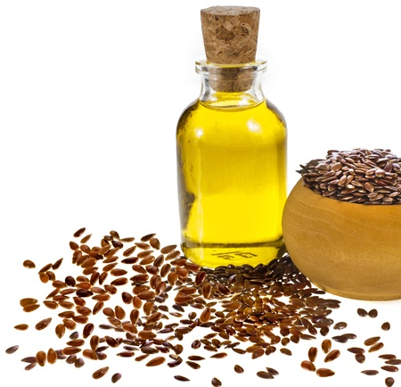 linseed oil: flax seed oil isolated on white background