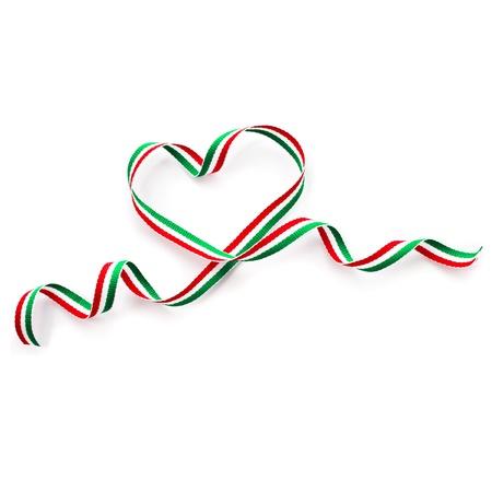 Jour de ruban Ruban de forme de coeur Valentine isolée sur fond blanc