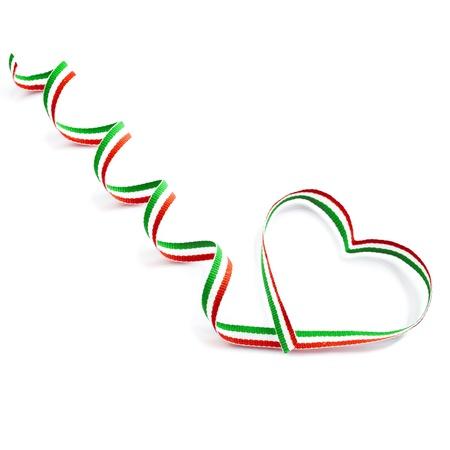 bandera mexicana: Color rayado Cinta Cinta en forma de corazón de San Valentín s Día concepto aislado en el fondo blanco Foto de archivo