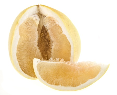 citrus maxima: pomelo citrus isolated