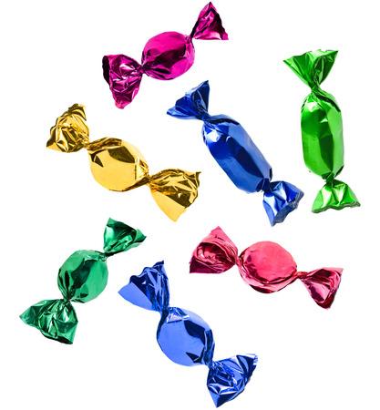 bunten Süßigkeiten-Set auf weißem Hintergrund
