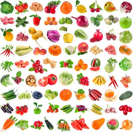 Große Sammlung Reihe von verschiedenen frischen reifen Gemüse, Obst, Beeren close up isoliert auf weißem Hintergrund