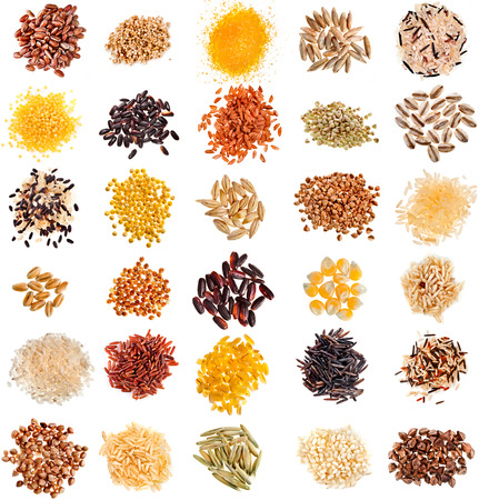 Collection Set of Cereal Grains and Seeds Heaps: Rye, Wheat, Barley, Oat, Corn, Flax, Millet, Rice, Buckwheat, Quinoa closeup isolated on white background Stockfoto
