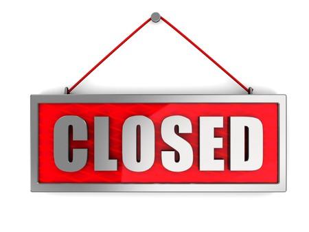 """cerrar la puerta: 3d ilustraci�n de signo de """"cerrado"""" sobre la pared blanca Foto de archivo"""
