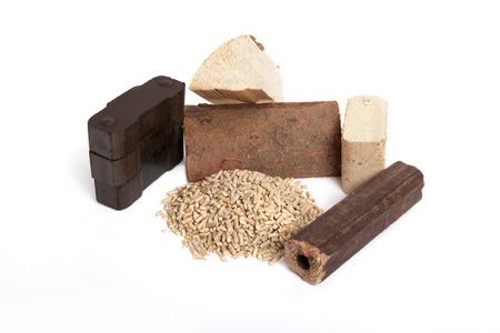 holzbriketts: verschiedenen fossilen Brennstoffen auf wei�em Hintergrund, Kohlenstoff, ovenwood, Pellets, Briketts, Lizenzfreie Bilder