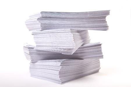 封筒の山とビジネスの背景