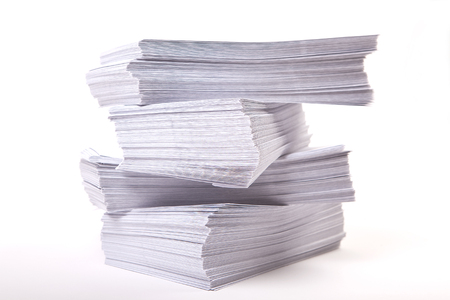 zakelijke achtergrond met stapel enveloppen
