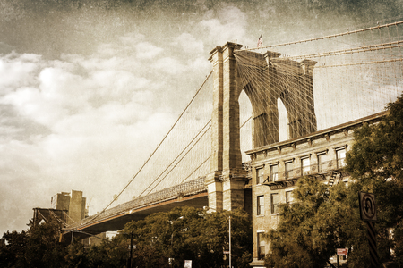 vintage style picture of the Brooklyn Bridge in NYC