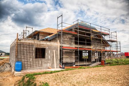 Baustelle eines Einfamilienhauses Standard-Bild - 54583204