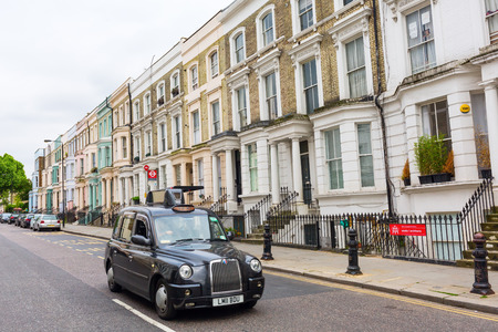 roberts: London, UK - June 19, 2016: street scene in Notting Hill. Notting Hill got international regard after the successfull same-named movie with Julia Roberts and Hugh Grant