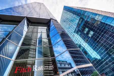 뉴욕시, 미국 - 2015 년 10 월 8 일 : 피치 등급의 마천루는 미국 증권 거래위원회 (SEC)에서 지정한 3 개 국가 인정 통계 평가 기관 중 하나입니다.
