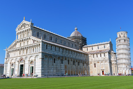 miracoli: Piazza dei Miracoli with the famous Leaning Tower of Pisa, Italy