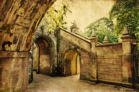 archways: vintage style picture of archways at an old bridge in Edinburgh Stock Photo