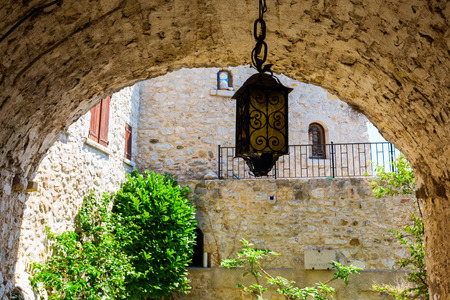 maritimes: picturesque archway in the famous mountain village Eze, France Stock Photo