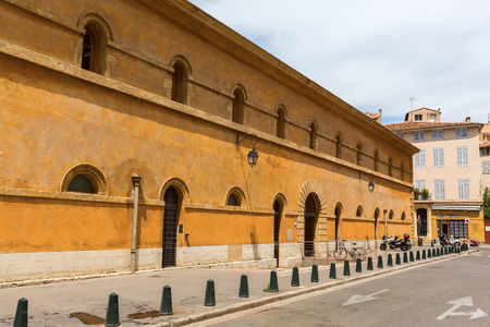 backside of the appellate court in Aix-en-Provence, South France
