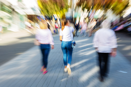 zooming in on the effect of women walking in the pedestrian zone of a city