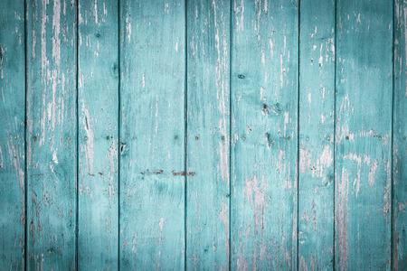 tabla de madera: Viejos pintados de pared de madera - textura o el fondo Foto de archivo