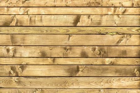 madera r�stica: Viejos pintados de pared de madera - textura o el fondo Foto de archivo