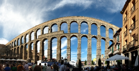 segovia: Panorama of an Old Roman Aqueduct, Segovia, Spain Editorial