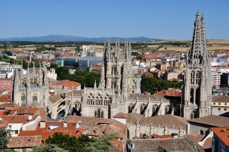 apartmant: Aerial view of Burgos with Cathderal and fields at the background Editorial