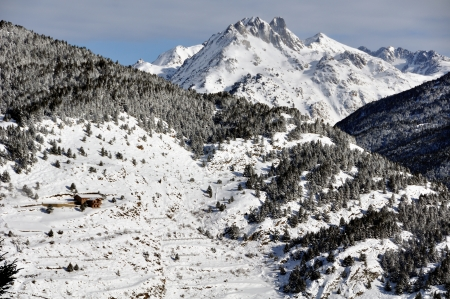 andorra: Pyrenees Mountain view in El Tarter, Andorra