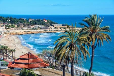 dorada: Coastline of Tarragona, Costa Dorada, Spain with sea, beach and sky