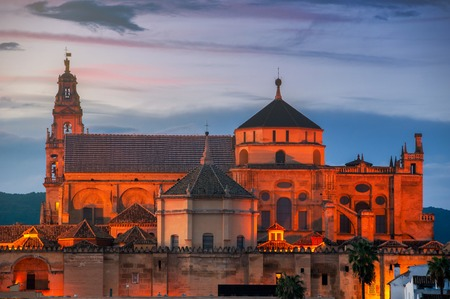La Mesquita Cathedral at sunset in Cordoba, Andalusia, Spain Imagens