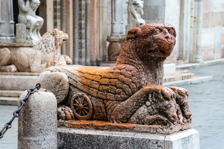 griffin: Statue of mythological griffin in Ferrara, Italy