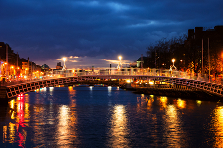 Dublin, Ireland. Night view of famous Ha Penny bridge in Dublin, Ireland Reklamní fotografie