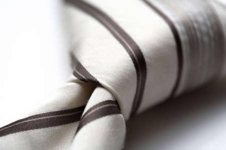 dresscode: A modern tie and a white shirt