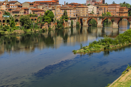 The Tarn River gives the name to the department where the ancient city of french of Albi which we see in the image, which was founded by the Romans with the name of Albiga