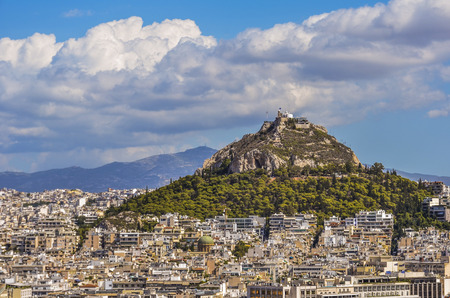 Mount lycabettus is the highest hill of the city of Athens of the same you get to see the port of Piraeus and all athens Banco de Imagens