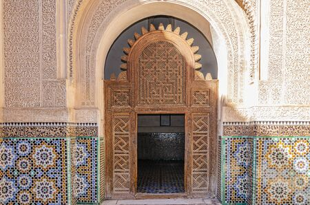 detail of arches and doors with its typical Moroccan style ornamentation. marrakesh 免版税图像