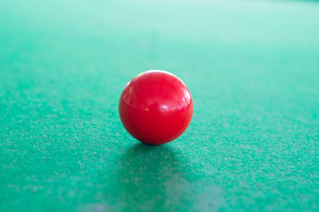 snooker: Red snooker ball