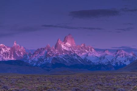 cerro fitzroy: Fitz Roy. El Calafate. Sunrise. Patagonia. Argentina.