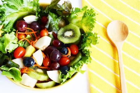 grape fruit and vegetable salad Standard-Bild