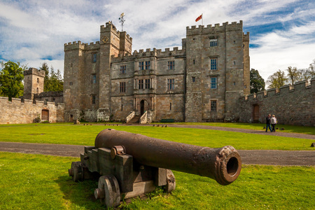 wallace: Chillingham Castle, UK. 17th May 2015: Chillingham Castle is home to Sir Humphry Wakefield and his wife The Hon. Lady Wakefield and their family.  The house is open to the public to visit  stay. Chillingham Castle, Church Hill Road, Chatton, Northumberlan
