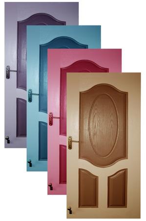 puertas de madera: disparo de cerca de puertas de madera con fondo blanco