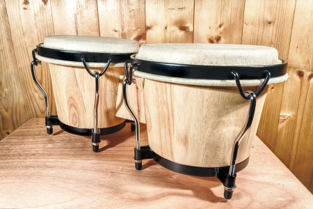 bongos: The bongos are a percussion of African origin and are mainly used in Latin music