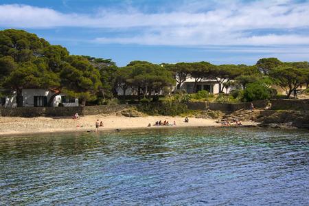 Small Costa Brava beach in Cadaques, Catalonia, Spain Imagens