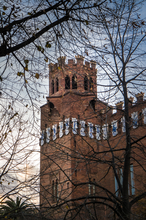 Tower of the Castle of the Three Dragons in barcelona at sunset 版權商用圖片