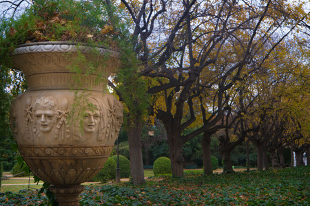 Stylish and sculptured garden pot in the park of Pedralbes Royal Palace on a winter day 版權商用圖片