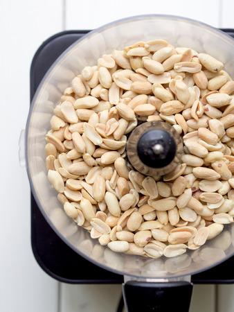 Preparation of homemade natural peanut butter