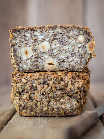 Flourless bread with sunflower, flax and chia seeds, oats, psyllium seed husks and hazelnuts. Stock fotó - 35951237