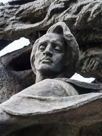 frederic: Monumento Fryderyk Chopin Frederic Chopin en el Parque Lazienki Royal Baths Park en Varsovia, Polonia.