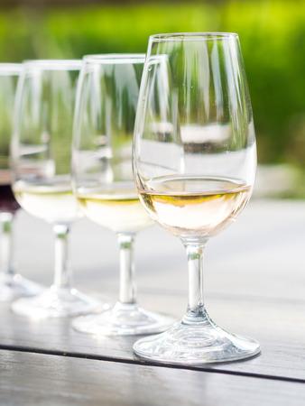 chardonnay: Wine tasting in Stellenbosch, South Africa. From the front: blanc de noir, chardonnay, sauvignon blanc, merlot.