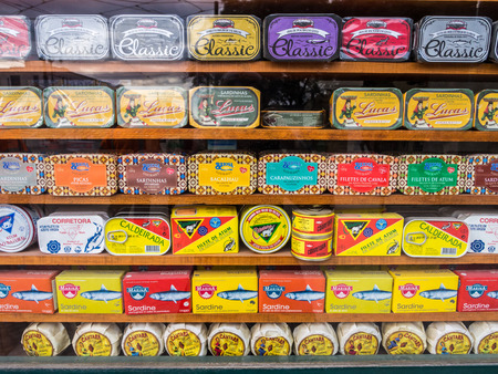 Different types of sardines and other typical Portuguese products sold in the old town of Lisbon. Redakční