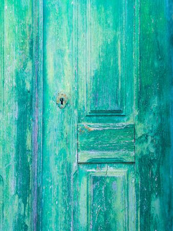 オビドス、ポルトガルの古い緑の木製ドア 写真素材